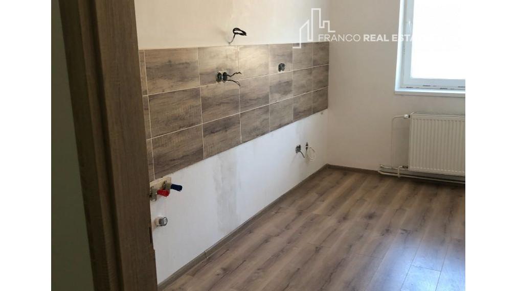 2 izbový byt po rekonštrukcií v CENTRE mesta Nová Baňa (69m2)  POSLEDNÝ BYT